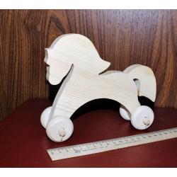 деревянная лошадка на колесиках