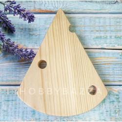 Сырная доска треугольник с дырками